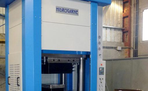Nueva adaptación de una prensa hidráulica HIDROGARNE modelo MV-600E para trabajos de embutición en el sector aeronáutico