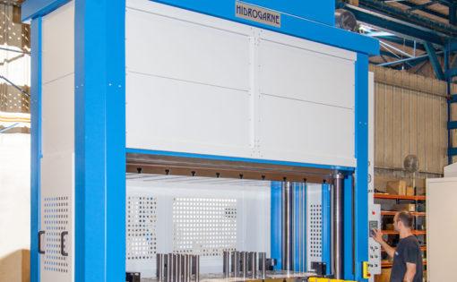 Nueva adaptación de la prensa hidráulica HIDROGARNE MV-250E para trabajos de embutición profunda